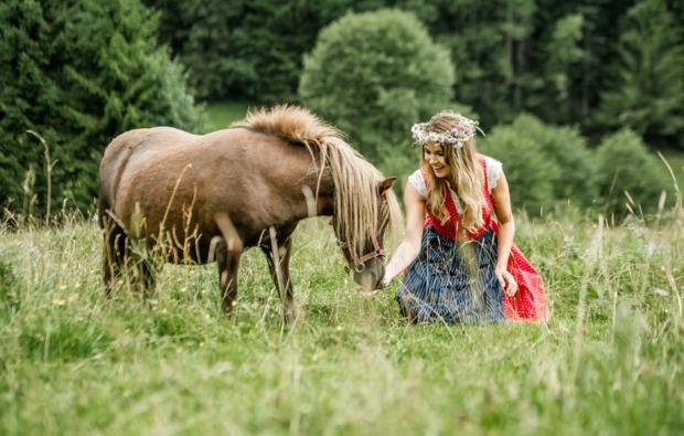 kurztrip-kirchberg-tirol-pferd