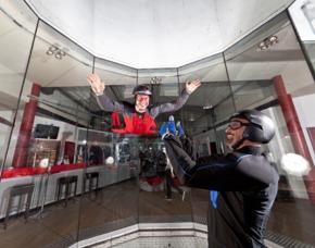 Indoor Skydiving - AIRlebnis M - Bottrop 2 Flüge - 2 Minuten - (Mo-So)