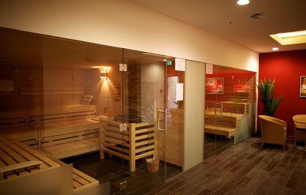 wellness-fuer-frauen-bad-duerkheim-sauna