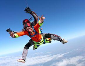 Fallschirm-Tandemsprung - 6.000 Meter - Lahr/Schwarzwald Sprung aus ca. 6.000 Metern