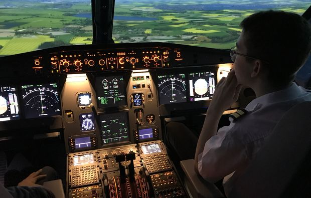flugsimulator-leipzig-cockpit-airbus-a320
