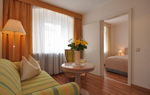 kulturreise-steyr-couch