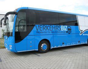 Geschenk zu Weihnachten Reisebus selber Fahren Jochen Schweizer Geschenkgutschein