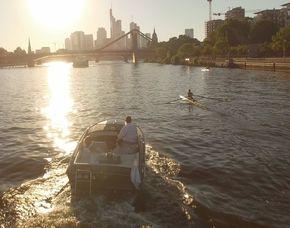 Romantische Bootstour für 2 - Frankfurt am Main Main - ca. 1,5 Stunden
