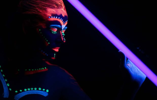 bodypainting-fotoshooting-aachen-neon