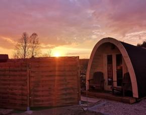 Außergewöhnlich Übernachten Campingpod Im Campingpod - Wellnessbereich & Whirlpool