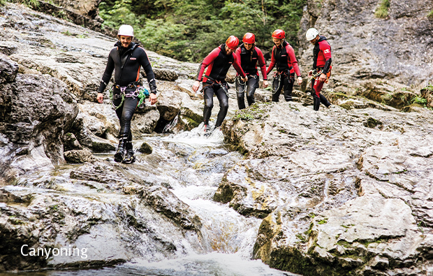 Besties_Canyoning_620x395