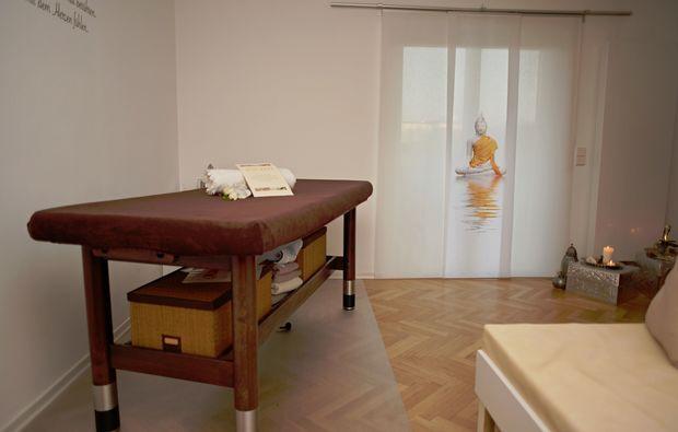 wellnesstag-fuer-zwei-stuttgart-massageraum