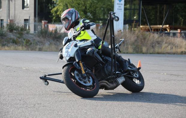 motorradtraining-wesendorf-schraeglagentraining