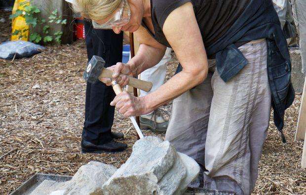 klassischer-bildhauer-workshop-koeln-stein