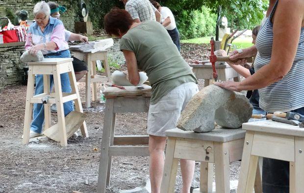klassischer-stein-bildhauer-workshop-koeln