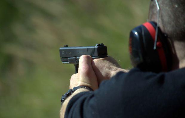 schiesstraining-pistole-bochum-handfeuerwaffe