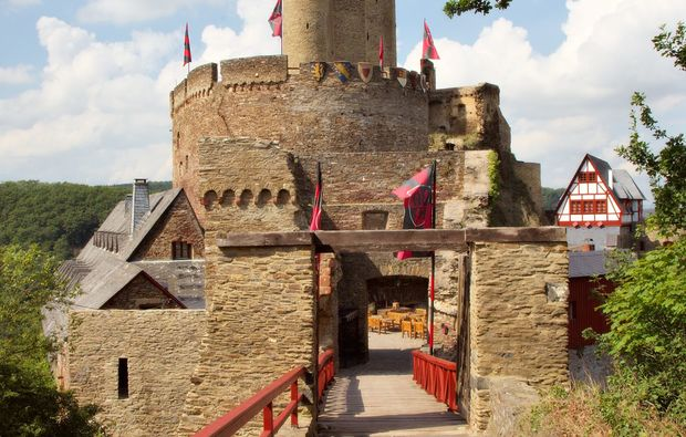 ritteressen-historisches-dinner-brodenbach-burg