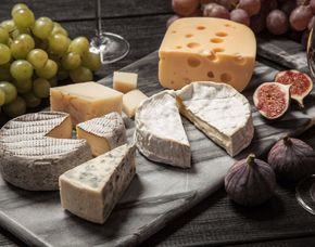 Wein & Käse - Kochstudio Bilou - München Verkostung von 10 Weinen & 10 Sorten Käse