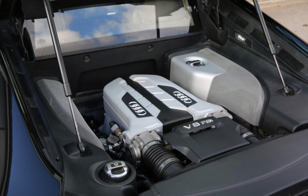 audi-r8-fahren-gersthofen-motor