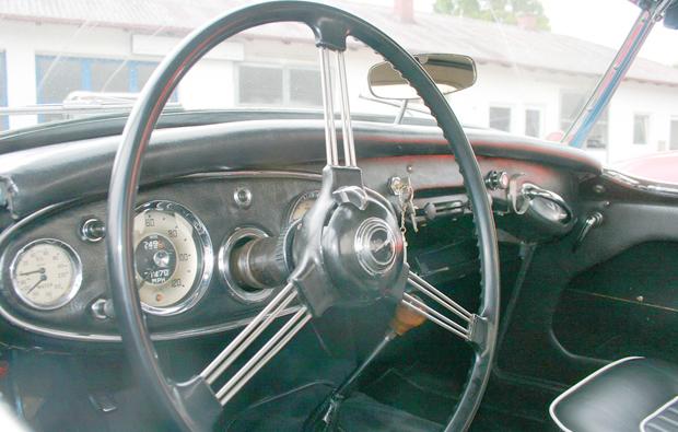 austin-healey-cockpit