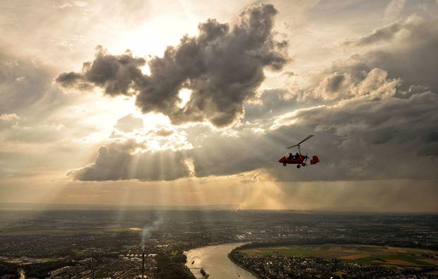 tragschrauber-rundflug-sankt-augustin-wolke