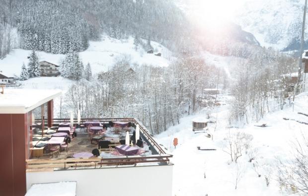hot-stone-massage-brand-terrasse