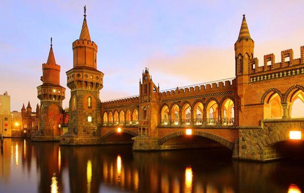 aussergewoehnliche-stadtrundfahrt-berlin-romantisch