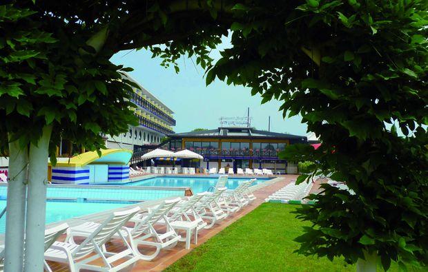 kuschelwochenende-lignano-sabbiadoro-hotelanlage