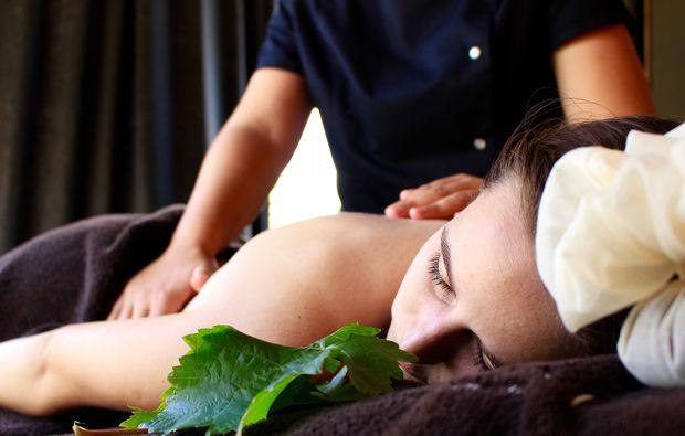 wellnesshotel-jouey-rueckenmassage
