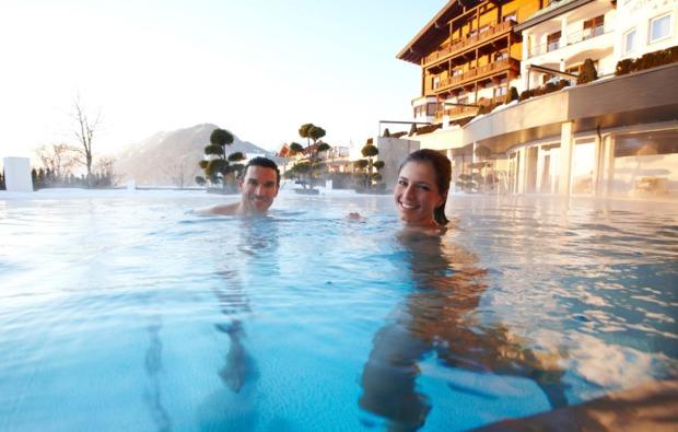 romantikwochenende-st-johann-im-pongau-outdoor-pool