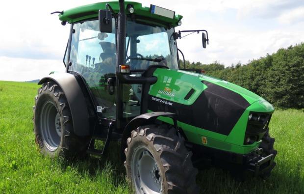 traktor-fahren-kuerten-fahrspass