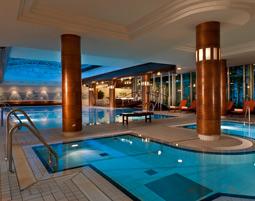 Wellnesshotels - 1 ÜN Radisson Blu Park Hotel & Conference Centre Dresden - 2-Gänge-Menü