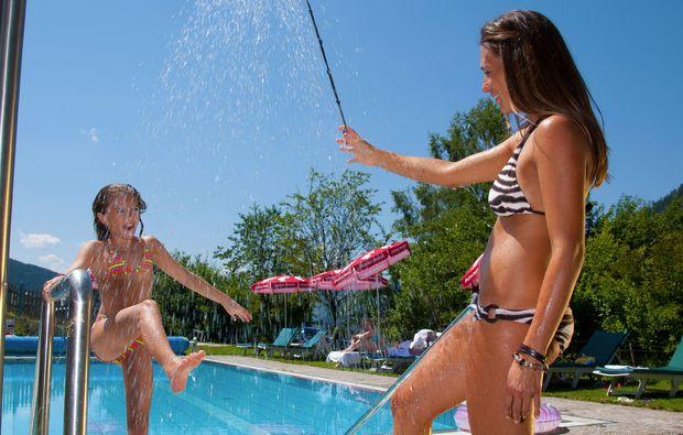 wellnesshotels-st-martin-am-tennengebirge-duschen-sommer