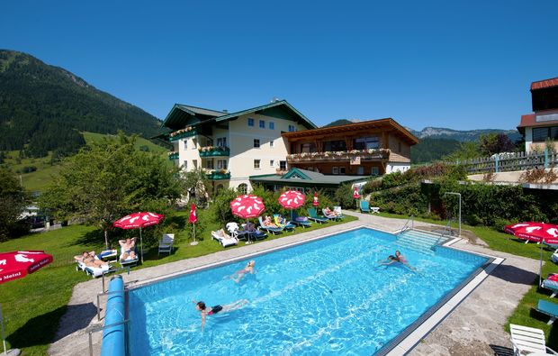 wellnesshotels-st-martin-am-tennengebirge-pool