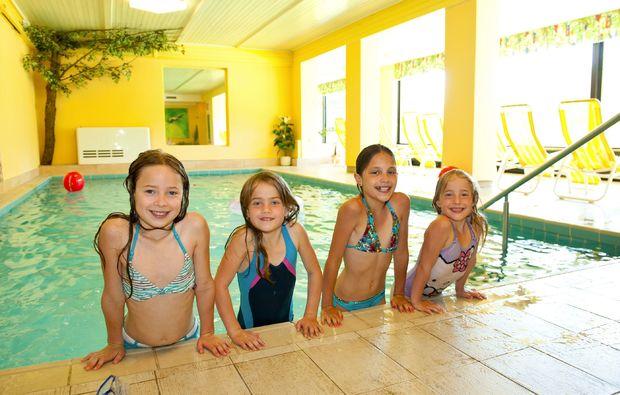 wellnesshotels-st-martin-am-tennengebirge-schwimmbad