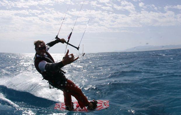 kitesurf-schnupperkurs-schwedeneck-surendorf-minikurs