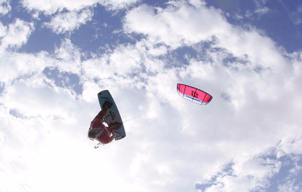 kitesurf-schnupperkurs-schwedeneck-surendorf-tricks