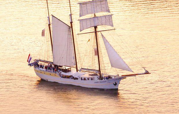 segeln-dinner-kiel1493971157