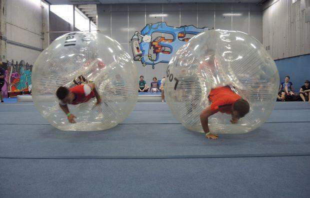 bubble-football-koeln-action