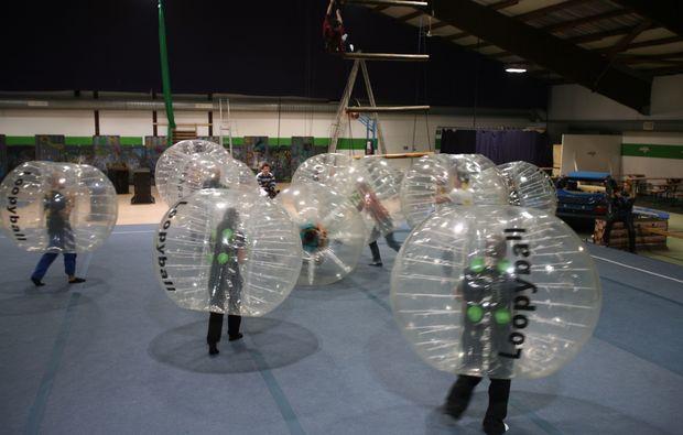 bubble-football-koeln-fussball