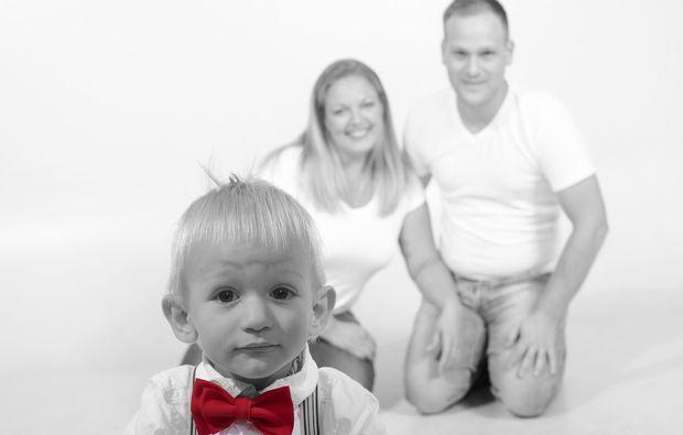 familien-fotoshooting-waldbronn-reichenbach-schwarzweiss