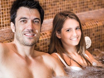 Romance Wellness für Paare - Hamburg Classic Aroma Experience und Ganzkörperpeeling - 50 Minuten