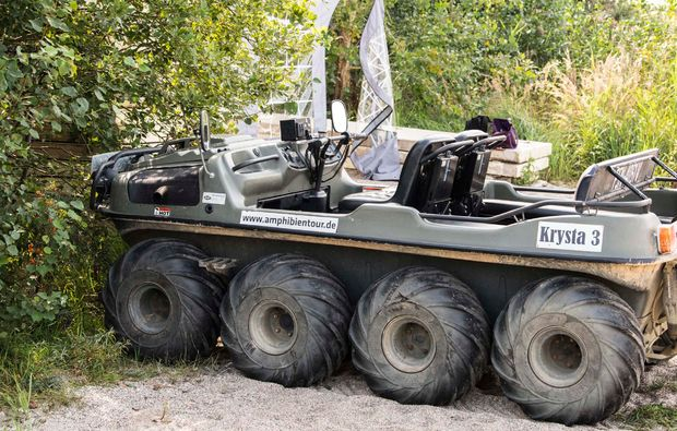 amphicar-fahren-leipzig-fahrzeug