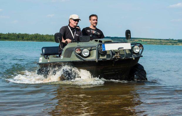 amphicar-fahren-leipziger-neuseenland-action