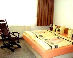 3-zauberhafte-unterkunft-constanze-hoelig-lindenhof-leubsdorf