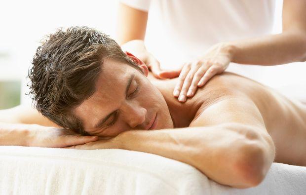wellness-fuer-maenner-erlangen-massage