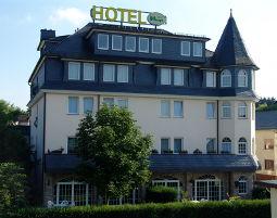 Zauberhafte Unterkünfte (Landhotels für Zwei) GreenLine Hotel zur Krone - Brotzeit, 3-Gänge-Menü