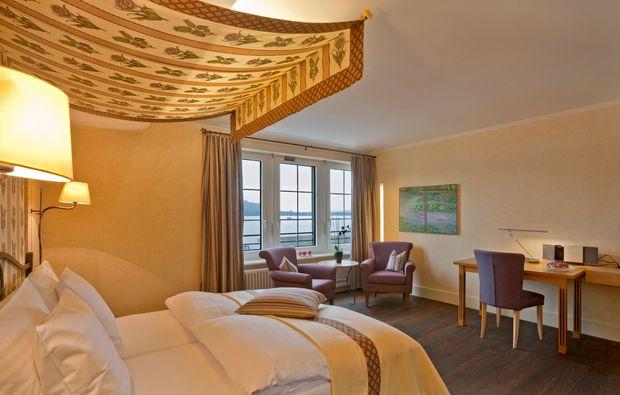 kuschelwochenende-kuesnacht-doppelbett