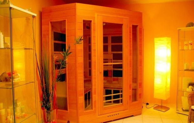 hot-stone-massage-ilsfeld-infrarotkabine