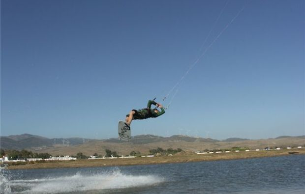 kitesurf-kurs-buchau-eben-am-achensee-grundkurs