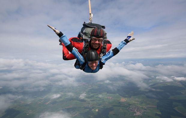 fallschirm-tandemsprung-altenstadt-schongau-geschenk