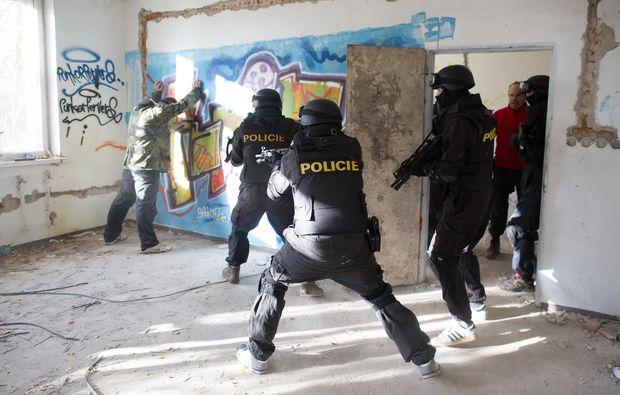 swat-camp-prag-action