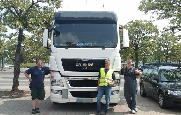 truck-offroad-fahren-hettstedt-gruppenbild