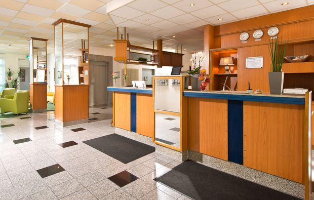 kurzurlaub-koeln-lobby